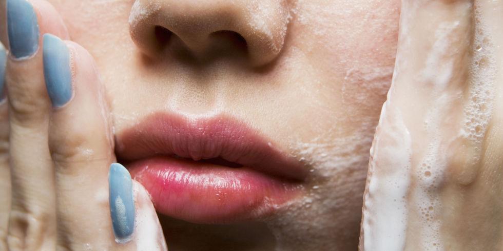 Mousse Detergente Viso Fai da te – Morbida e Delicata