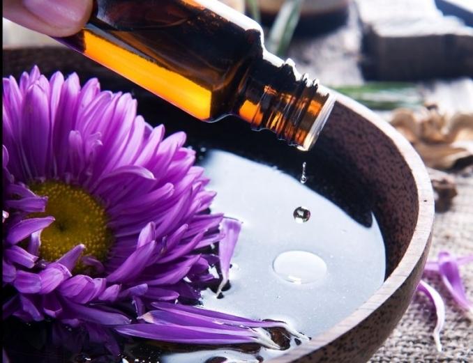 Candela di lusso con olio essenziale biologico alla lavanda